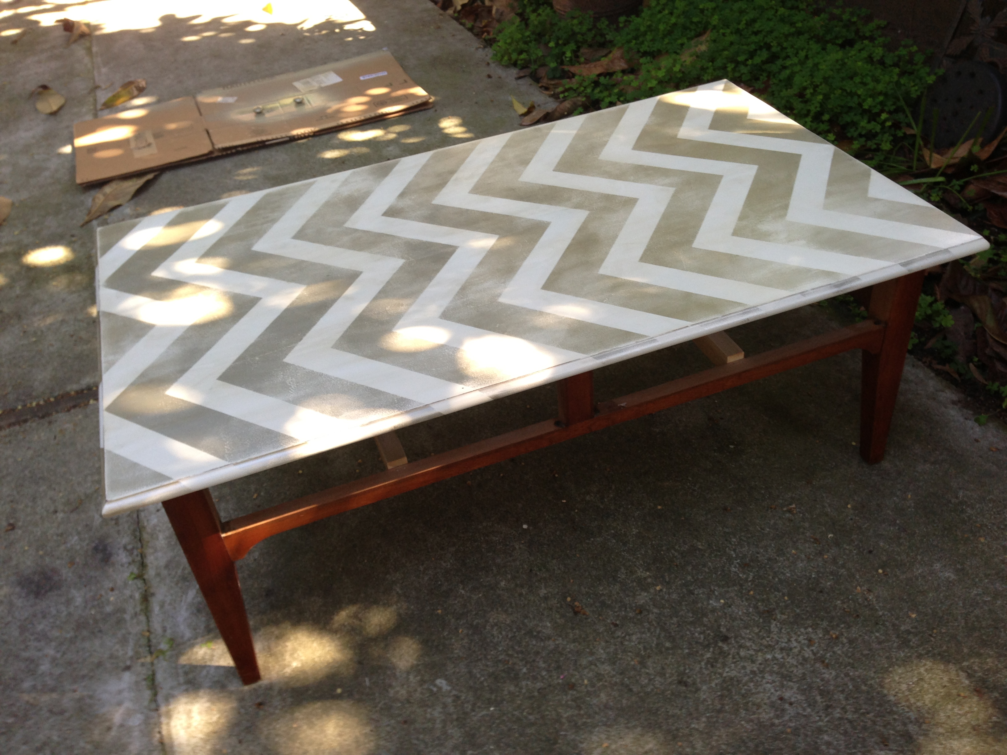 Free coffee table facelift